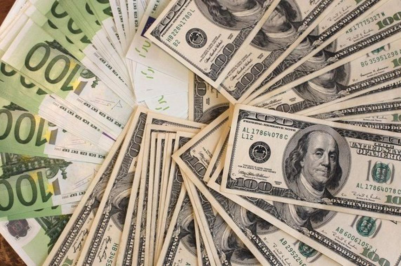 Dolar, haftanın son gününde 4.82 TL 5