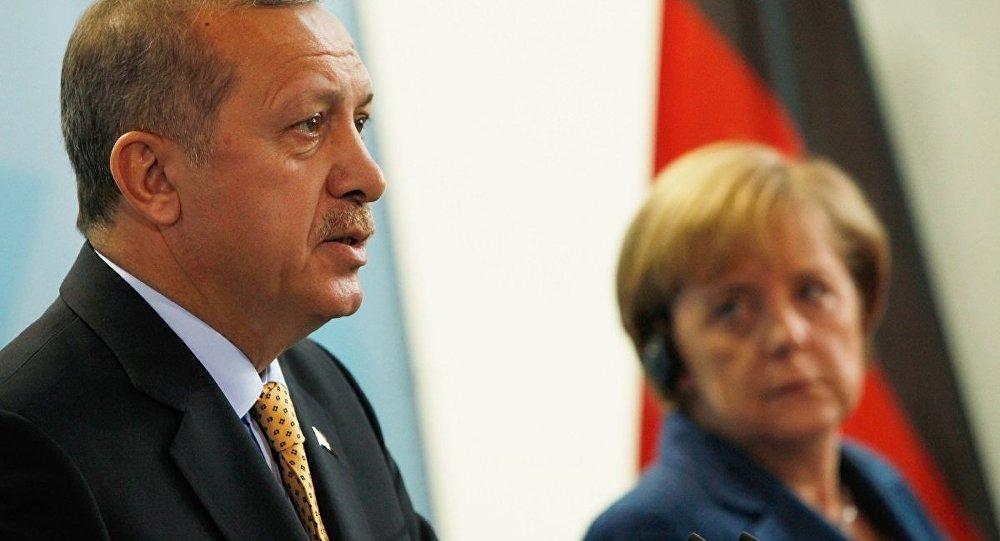 Merkel, Berlin'de Erdoğan onuruna verilecek yemeğe katılmayacak ...